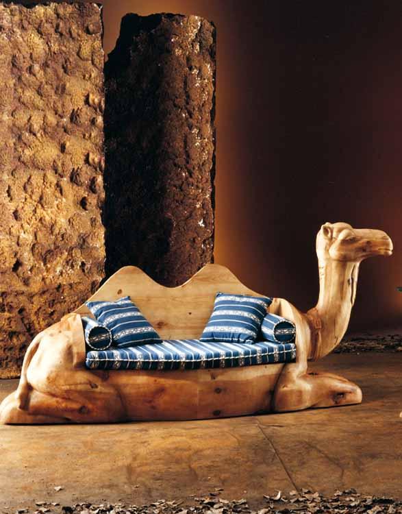 http://www.munozmuebles.net/nueva/catalogo/catalogos-auxiliar.html - Foto con muebles de  color rosa