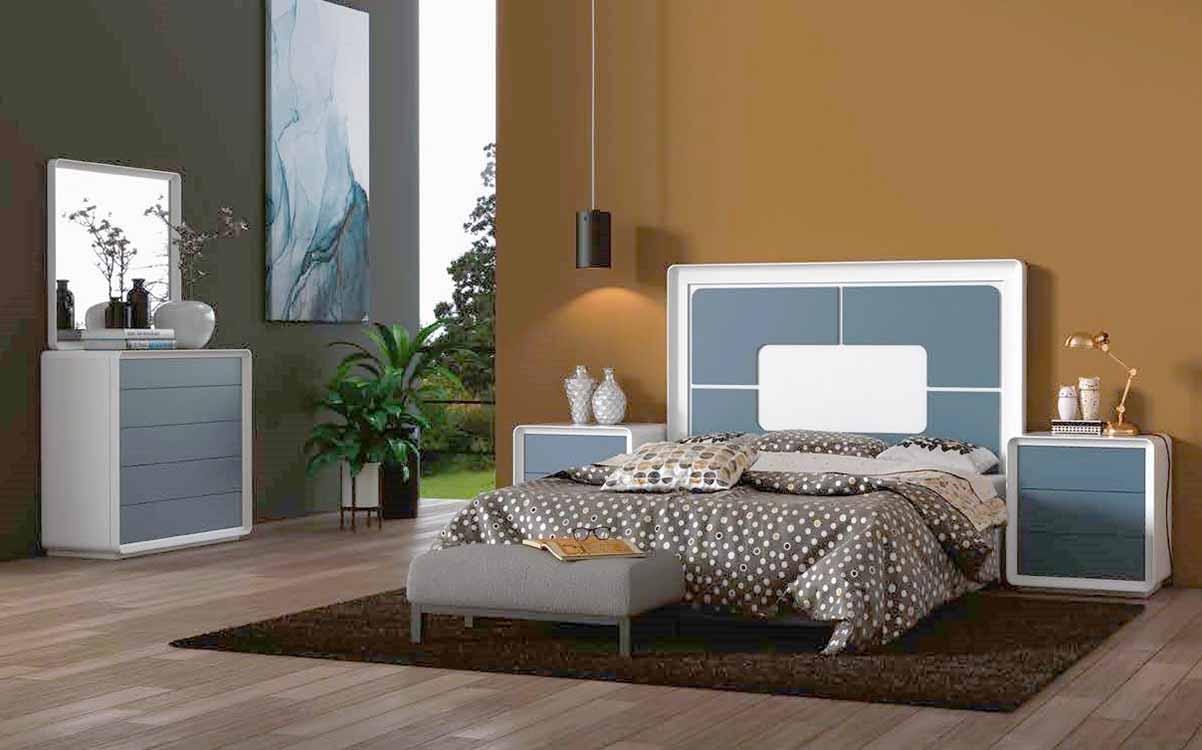 http://www.munozmuebles.net/nueva/catalogo/dormitorios-actuales.html -  Composiciones de muebles de color rosa chicle
