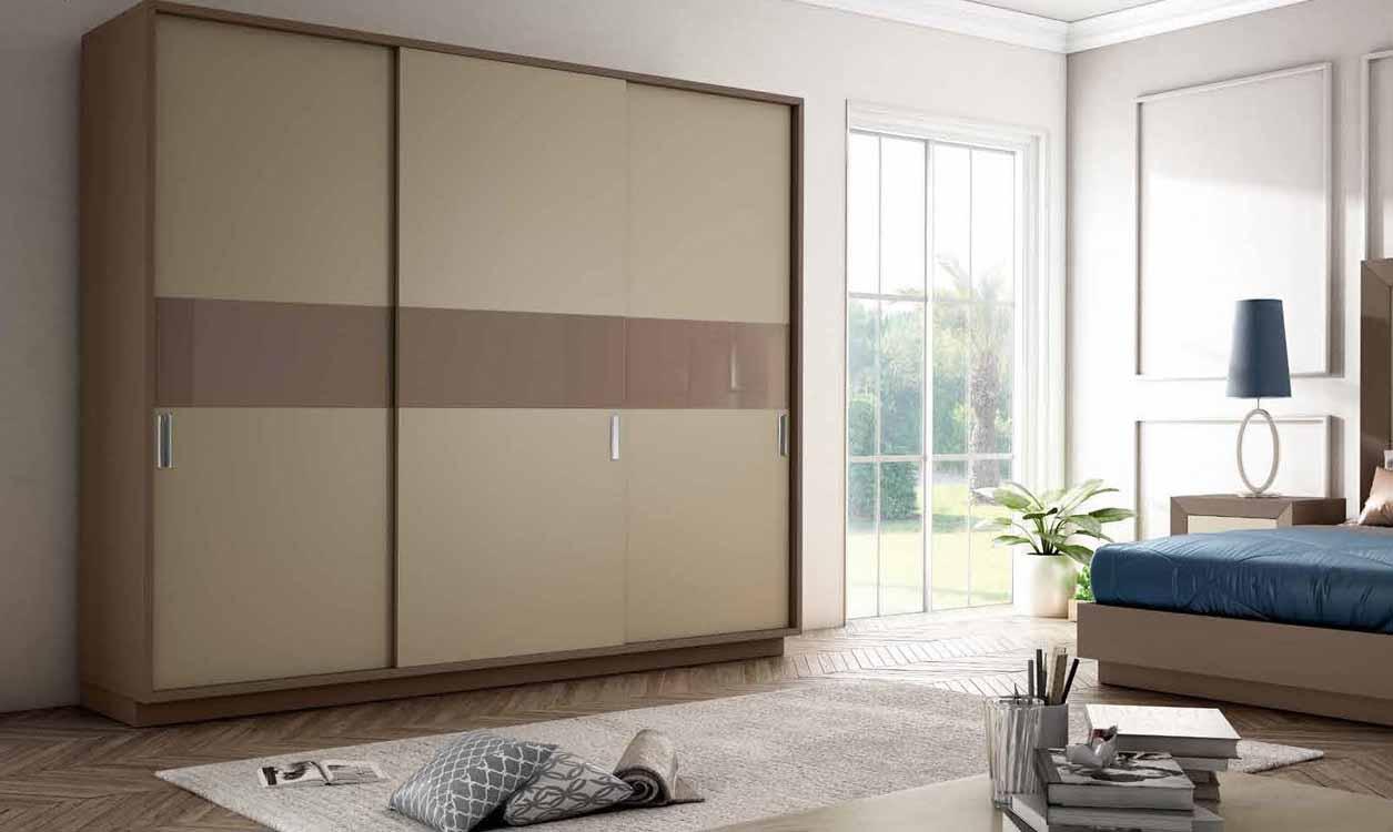 http://www.munozmuebles.net/nueva/catalogo/dormitorios-clasicos.html - Fotografías  de muebles de color blanco nieve en autovía de extremadura