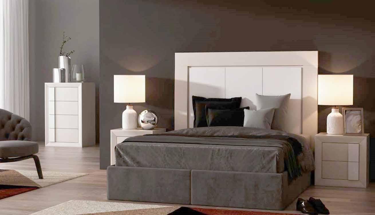 http://www.munozmuebles.net/nueva/catalogo/dormitorios-clasicos.html - Mueble de  madera en teka