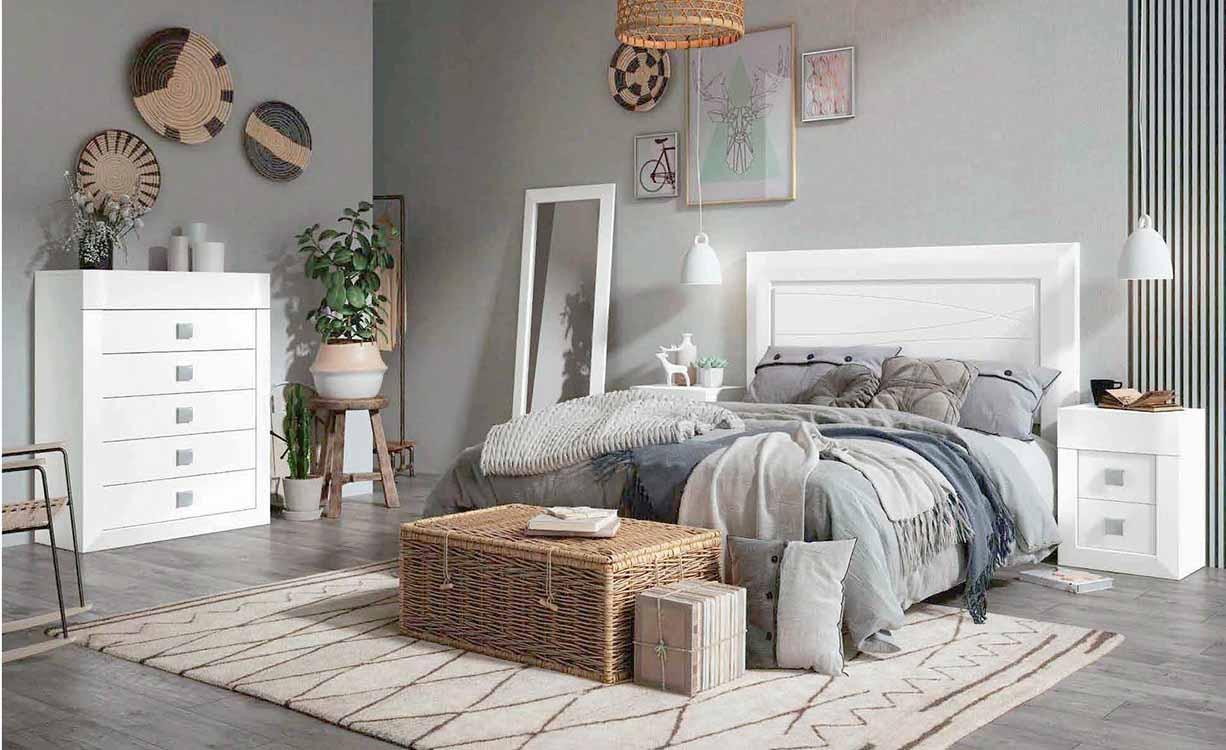 http://www.munozmuebles.net/nueva/catalogo/dormitorios-clasicos.html - Mueble  color plata en Toledo