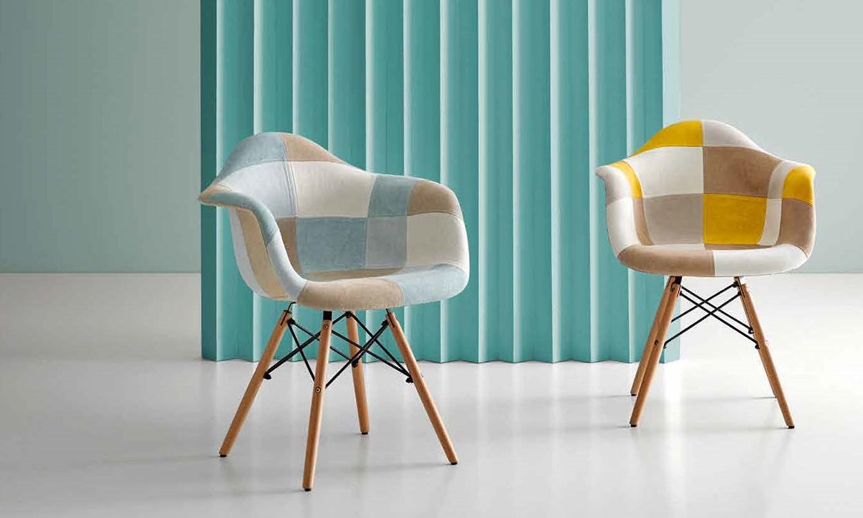 sillas modernas en madera maciza